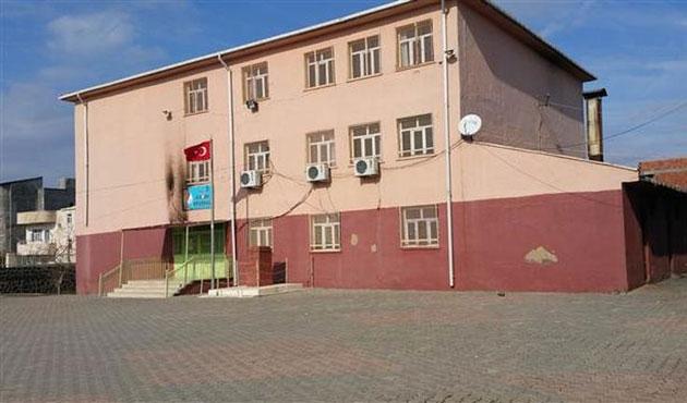 PKK İdil'de sekiz okula saldırdı
