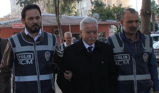Adana'daki 'Paralel Yapı' operasyonunda 3 tutuklama