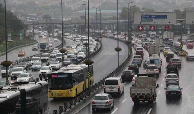İstanbul'da trafik yoğunluğu yüzde 62'yi buldu