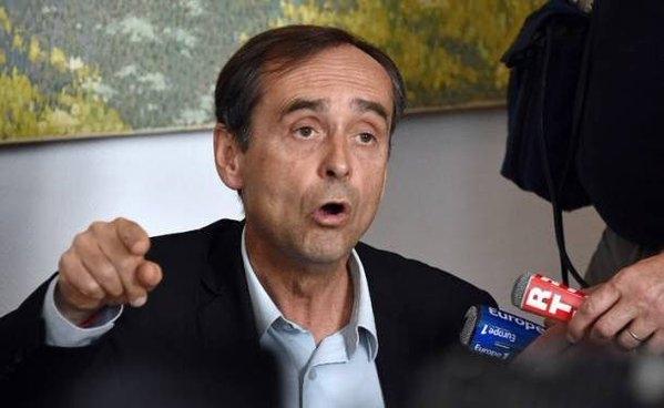 Fransa İslamofobik belediye başkanına izin vermedi