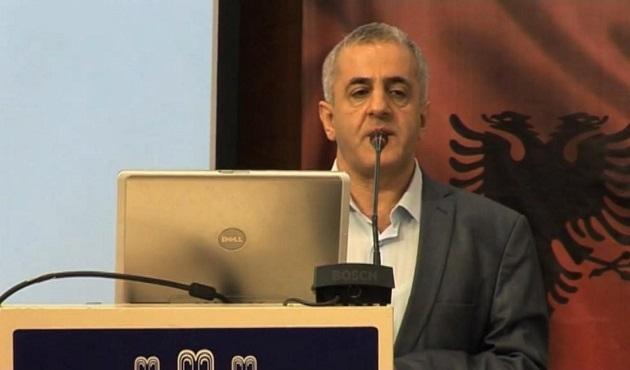 Müfid Yüksel Osmanlı-Arnavut ilişkilerini anlattı