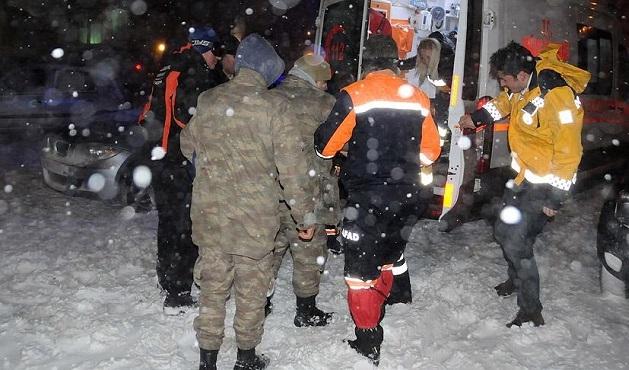 Palandöken'de çığ düştü: 1 asker yaralı