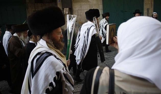 Yahudi işgalciler yine Mescid-i Aksa'da