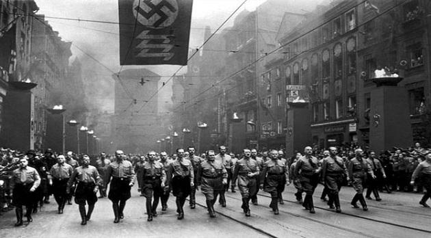 Faşizm dünyaya geri mi dönüyor?