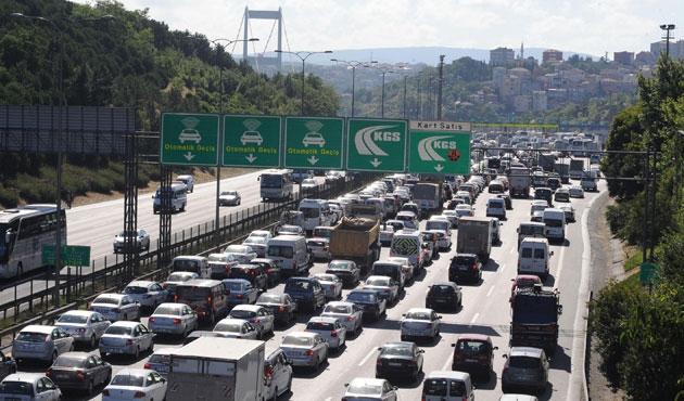 Köprü ve otoyollar yabancı araçlara bedava!