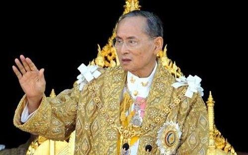 Tayland'da krala hakarete hapis cezası