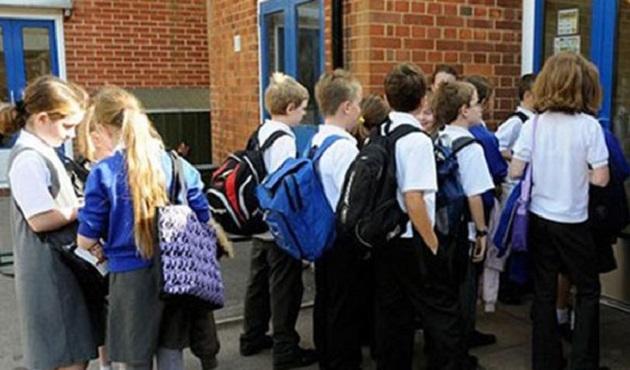 İngiltere'de imla hatası yapan çocuğa terör sorgusu
