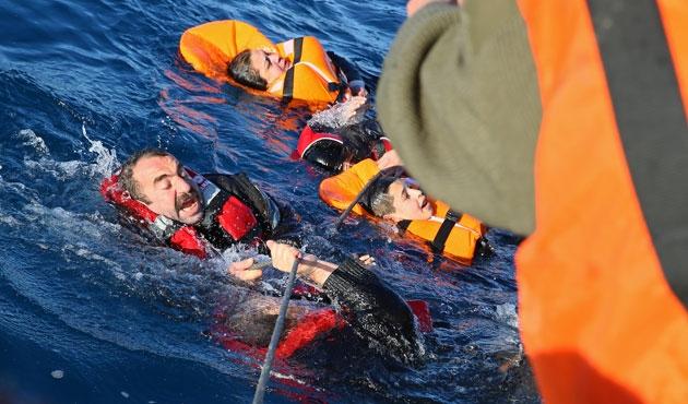 Didim'de 43 sığınmacı kurtarıldı