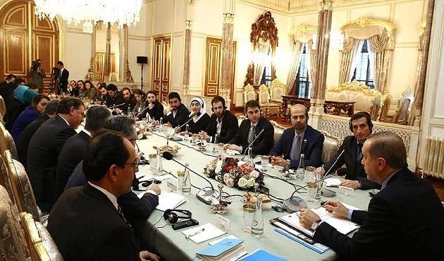 Erdoğan, Suriyeli gazetecileri kabul etti.