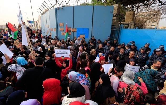 Mültecilerden 'Türkiye'ye dönmeyiz' protestosu