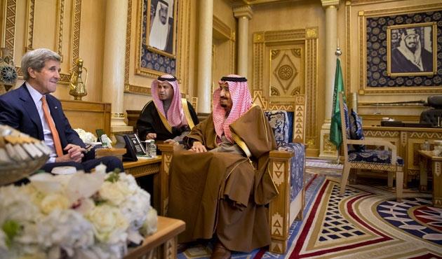 John Kerry Suudi Arabistan'da