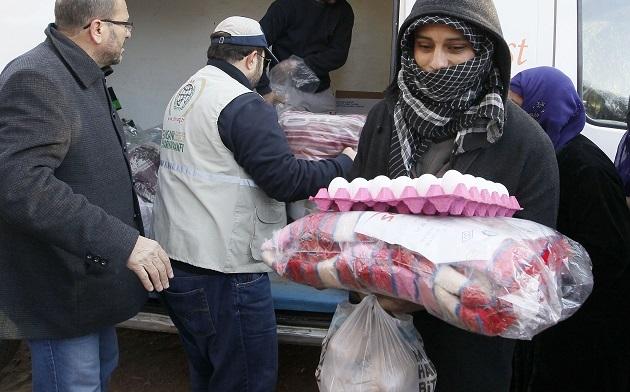 Suriyeli ailelere erzak yardımı