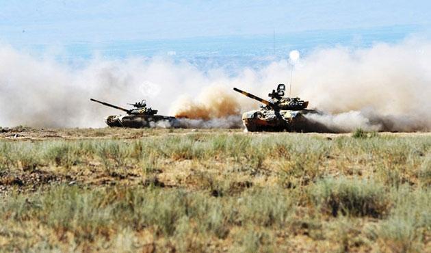 Rusya Kazakistan'daki üslerini devrediyor