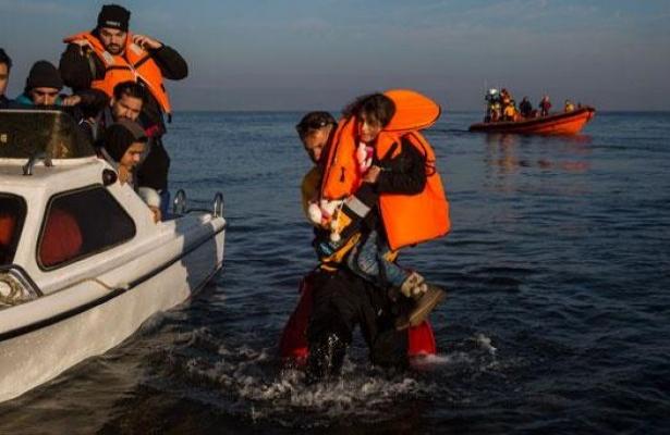 Çanakkale'de sığınmacı teknesi battı: 39 ölü