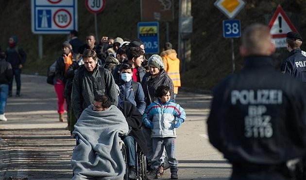 Almanya'ya günde 3 bin sığınmacı giriyor