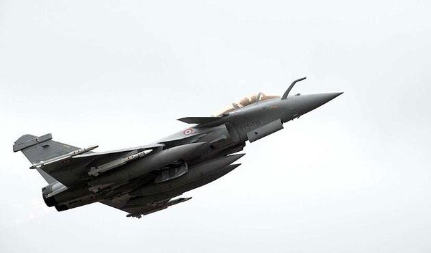 Suriye ordusuna ait savaş uçağı düştü