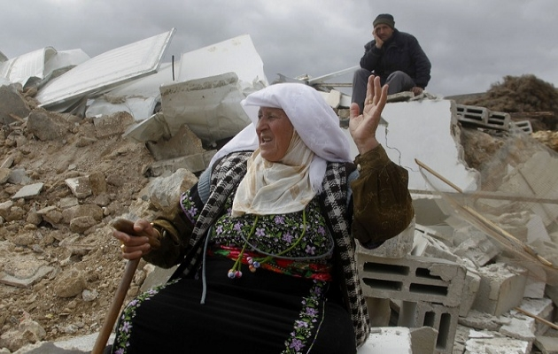 İsrail işgal ettiği bölgelerdeki evleri yıkıyor