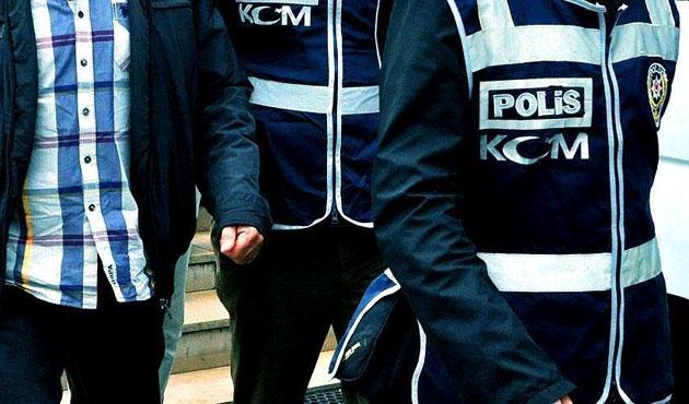 Beş gazeteci ve bir polise 'paralel' gözaltısı
