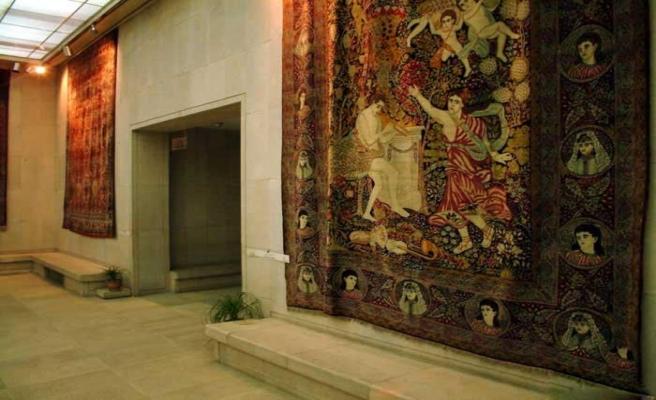 İran'da halı 'sanat' demek
