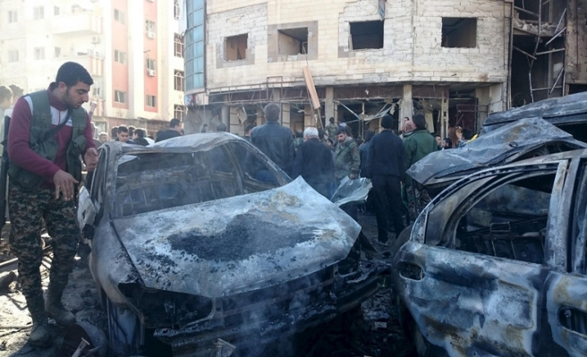 Şam'da pazar yerine bombalı araçla saldırı