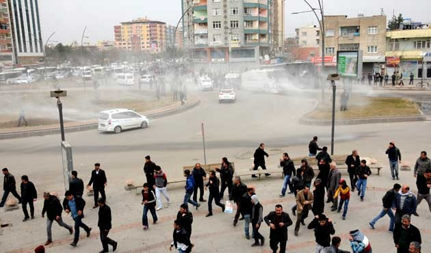 Batman ve Hakkari'de olaylı Öcalan gösterileri