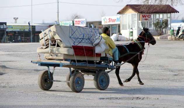 Üç ilçeden büyük göç; 7 bin aile Mardin'de...