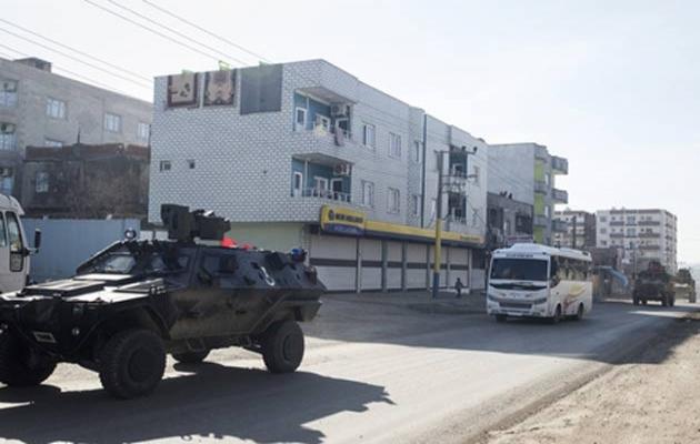 Cizre'de sokağa çıkanlara 219 lira para cezası