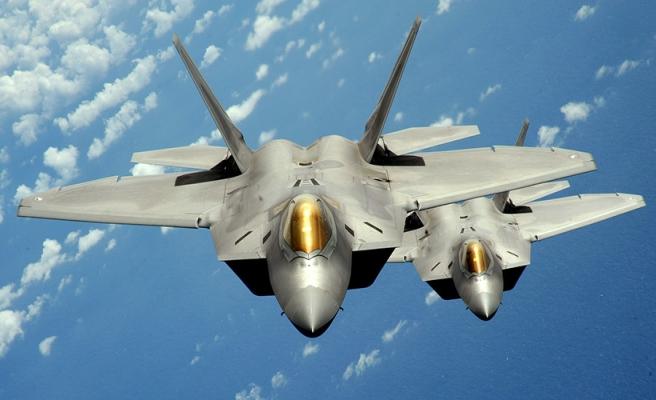 ABD'den, G.Kore'ye F-22 raptor avcı uçakları