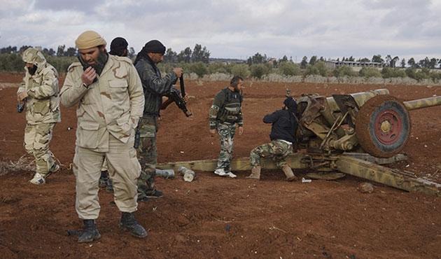 Muhalifler kuşatmayı kırdı; hedef Halep'in tamamı