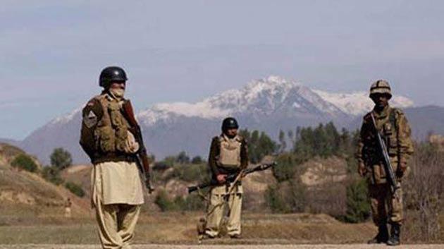 Pakistan'da Hindistan askeri gözaltına aldı