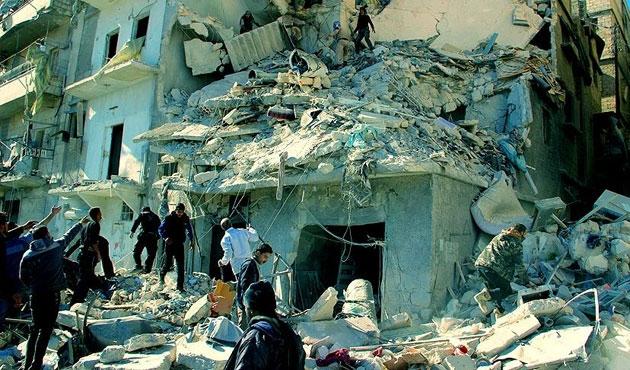 Suriye rejiminden Halep'e varil bombalı saldırı