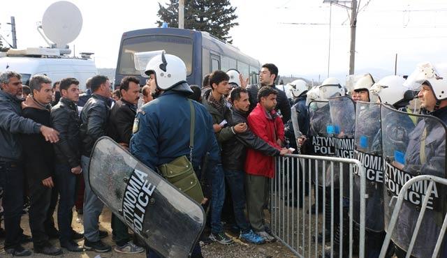 Göçmenlerin iadesi başladı