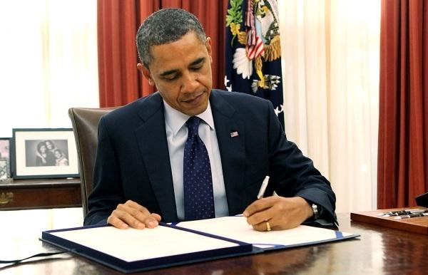 Obama'dan Suriye'deki gruplara silah tedarik etme izni