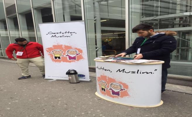 Avrupa'da 'Buyrun, ben Müslüman'ım' kampanyası