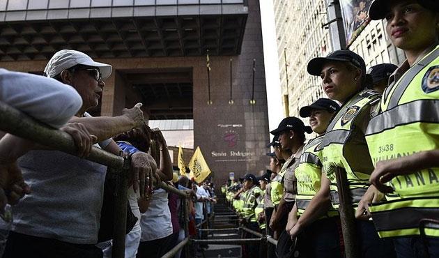 Venezuela'da gösteriler büyüyor