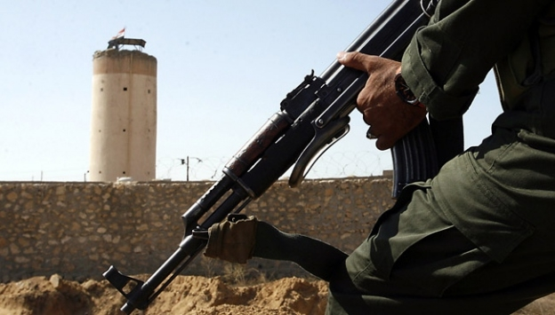 Sina'da Mısır askerine bombalı saldırı