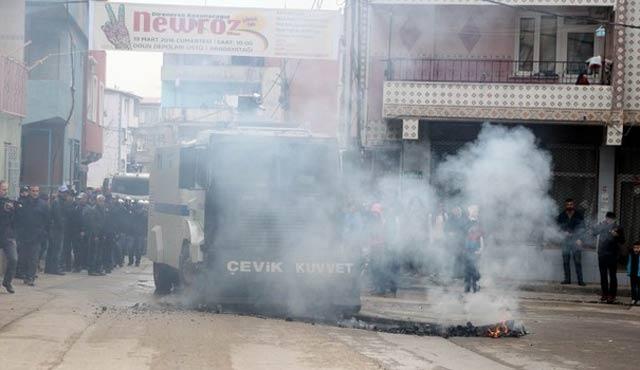 Bursa'da yasadışı yürüyüşe polis müdahalesi