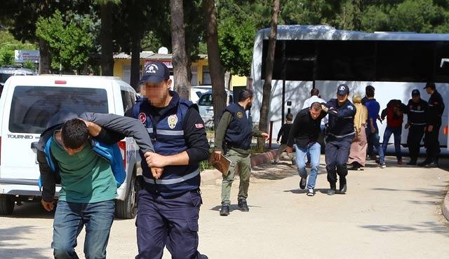 Adana'da Nevruz'a 24 gözaltı