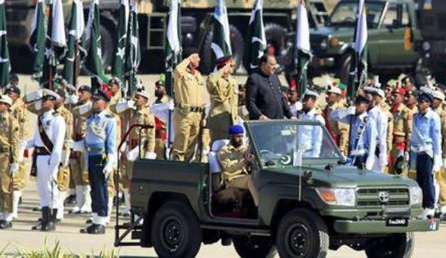 Pakistan milli kuruluş yıldönümünde Keşmir'e destek