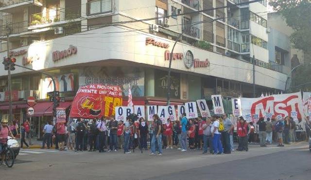 Obama Arjantin'de protesto edildi