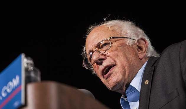 Sanders, Clinton'ı iki eyalette geride bıraktı