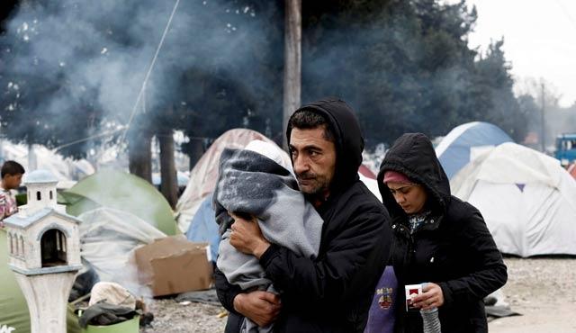 Yunanistan Makedonya sınırına hoparlörler koyacak