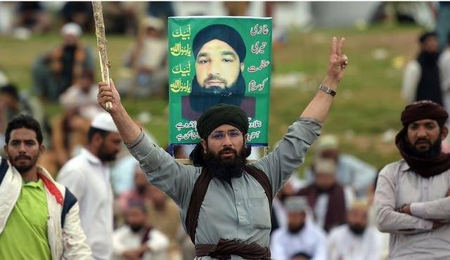 Pakistan'da protestocular uyardı: Navaz Şerif de öldürülebilir