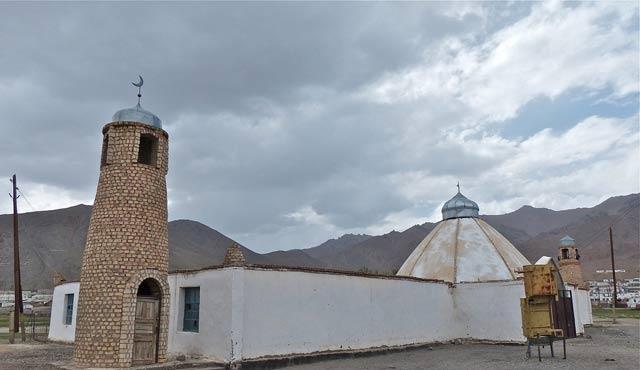 Tacikistan'da tüm camilere kamera yerleştirilecek