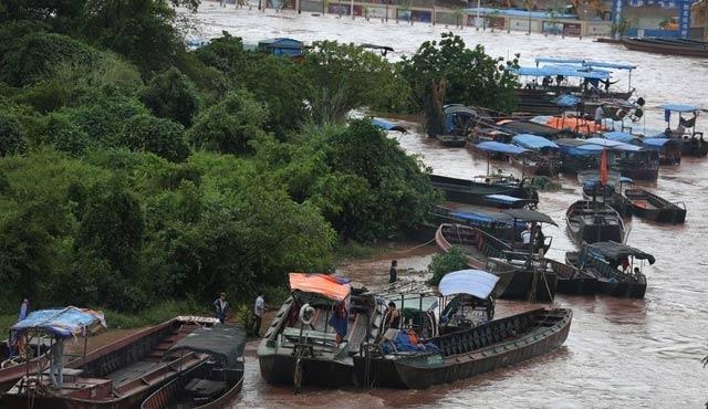 Çin ile Vietnam arasına yüzer köprü
