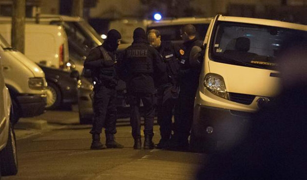Fransa'da olağanüstü hal yine uzatıldı