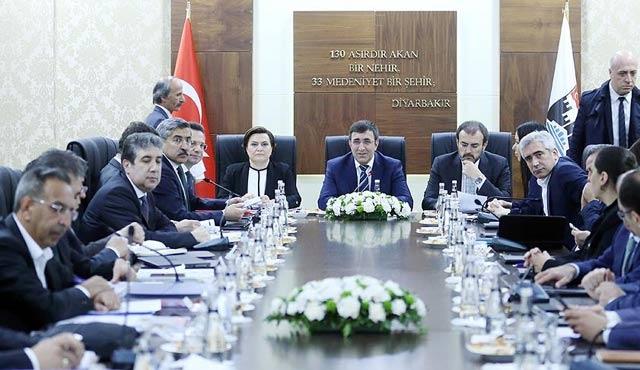 Bakan Ünal: Biz Diyarbekir'den vazgeçmeyiz