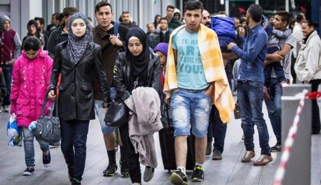 Türkiye'den Almanya'ya ilk mülteci kafilesi bin 600 kişi