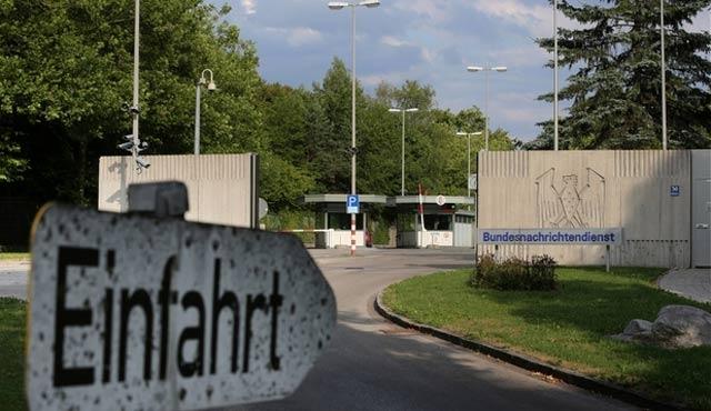 Almanya, muhbirlik karşılığı sığınma hakkı dağıtmış