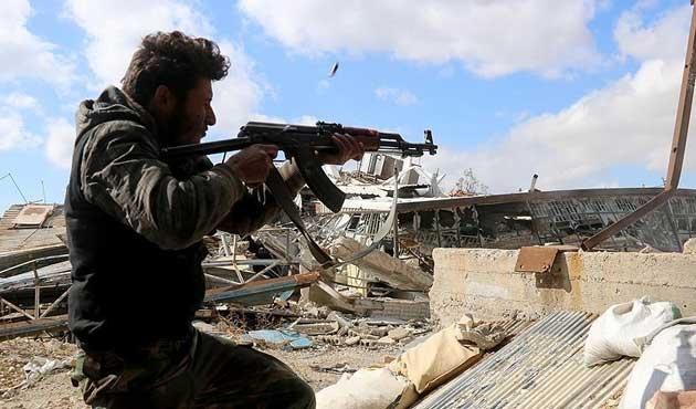 Halep'in güneyinde Esad güçlerine darbe